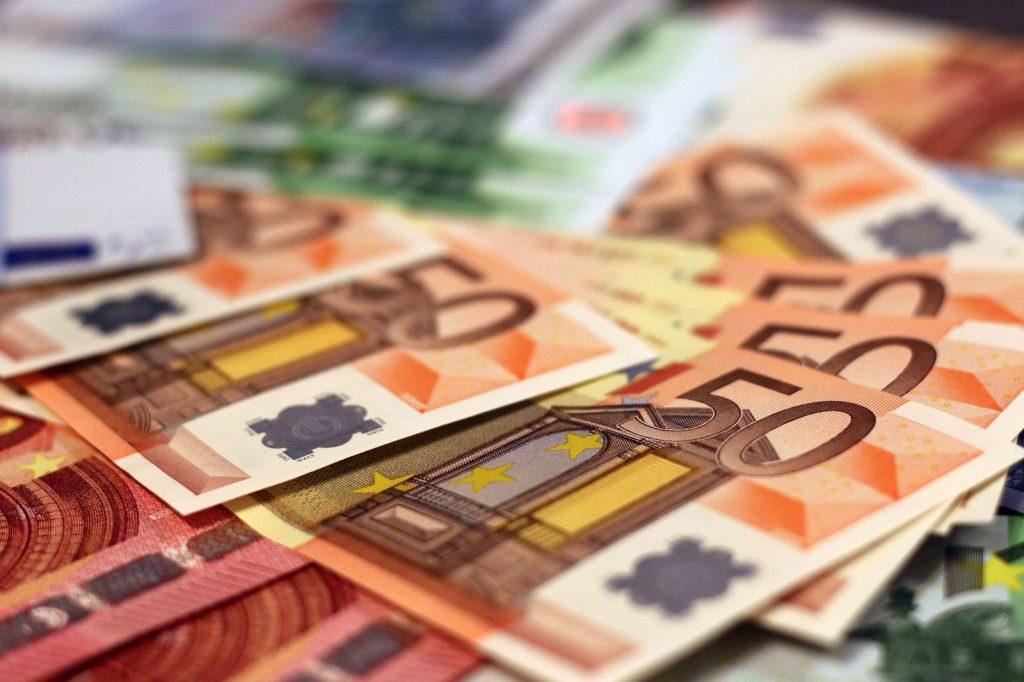More Money - Investorina